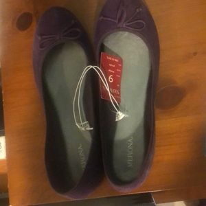 NWT size 9 Merona slip ons with tiny heel